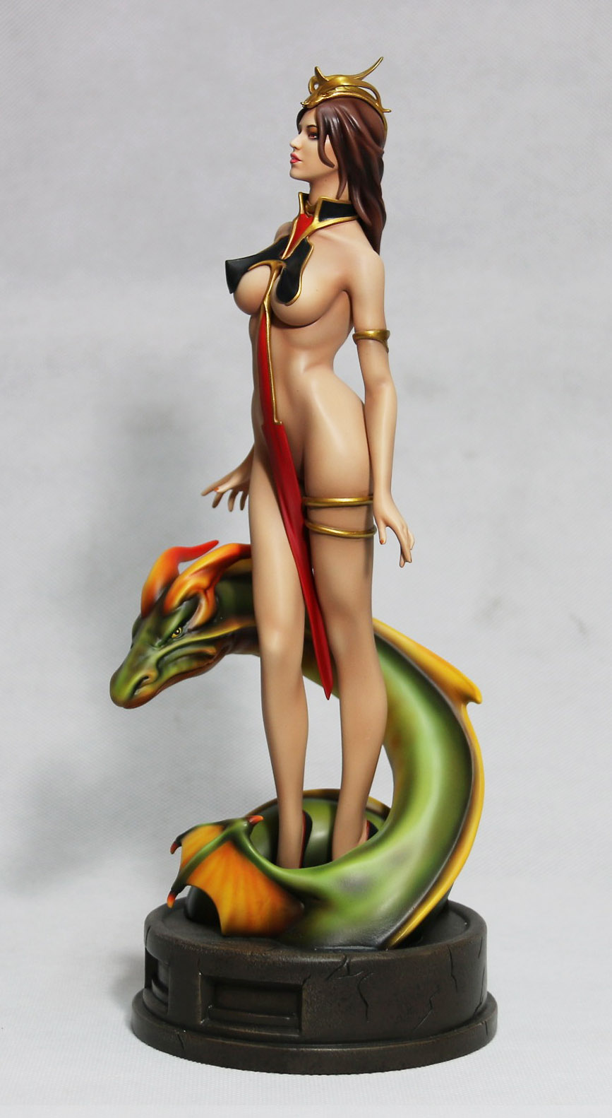 lady_dragon_statue_3